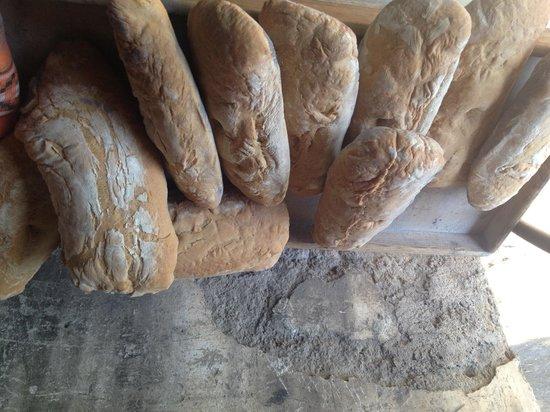 Если есть хлеб, то без дрожжей и без соли... Почему флорентийский хлеб несоленый